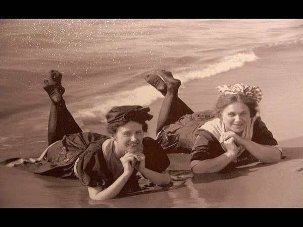 50 Vintage Photos of People Wearing Bathing Suits From the Late 19th to the Early 20th Centuries