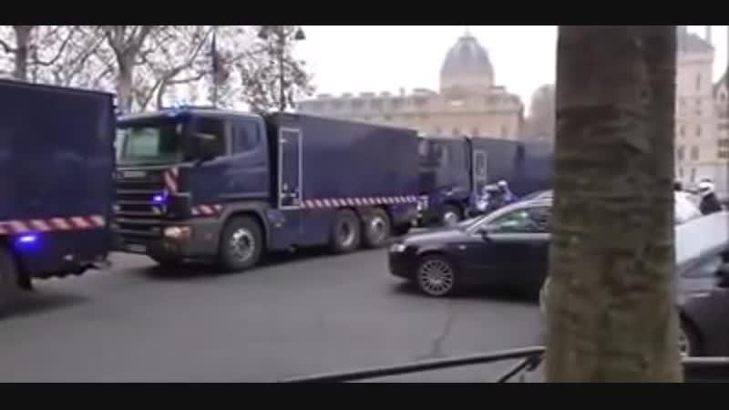 Gilets jaune Que se passe til en France cest quoi ces camions 29112018