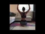 Прорабатываем мышцы спины и рук.