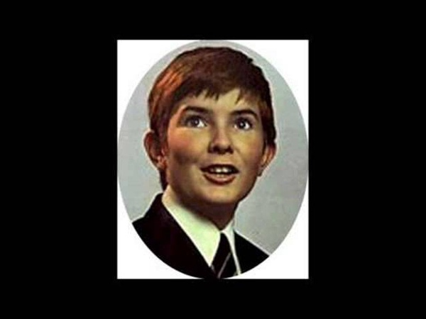 The Great Radu Marian, at Age 7, sings Der Hölle Rache (French)