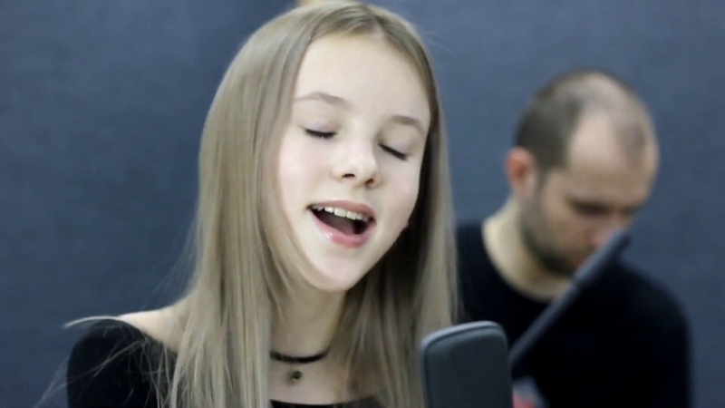 Sia Everyday is Christmas Cover by Daneliya Tuleshova Данэлия Тулешова Live Acoustic version