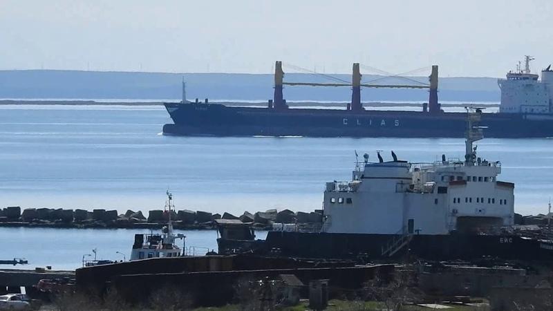 Морской саксафон Валерию Ларину ) Балкер на Мариуполь.Пролив Керчь.