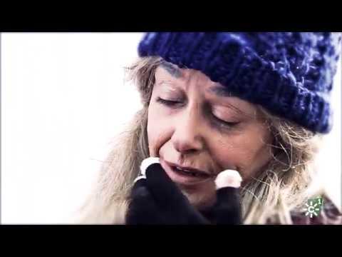 Toñi Moreno se mete en la piel de una indigente y es rechazada en un restaurante | Gente Maravillosa