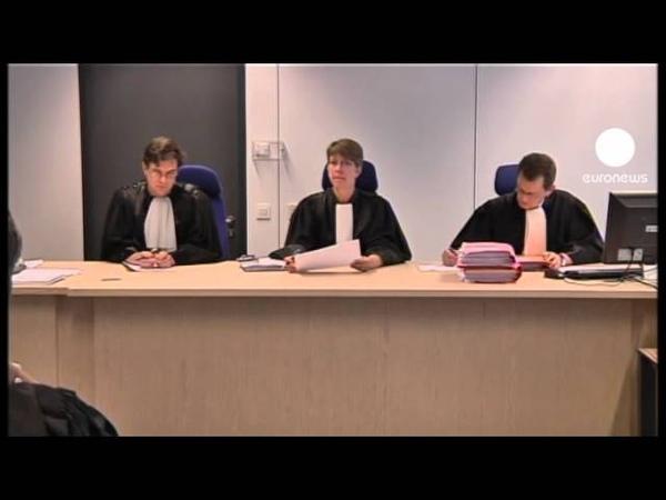 Герой комиксов Тинтин на скамье подсудимых 2011 г