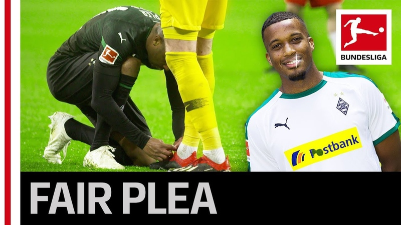 Great Fair Play Gesture - Alassane Plea Laces Leipzig Keepers Boots