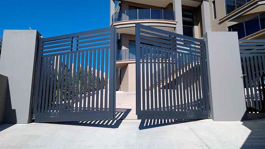 Что такое распашные ворота?