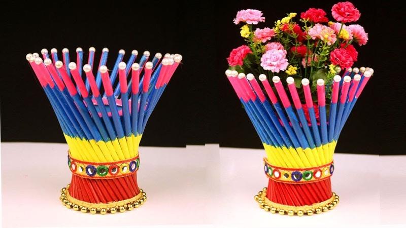 DIY Newspaper Crafts - Best out of Waste Newspaper Craft Idea - Easy Flower Vase Craft Ideas