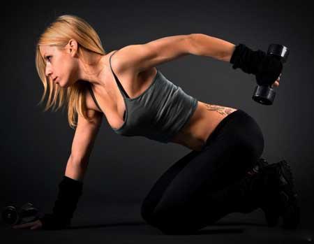 Правильная одежда помогает сохранять тело прохладным и комфортным во время интенсивных тренировок.