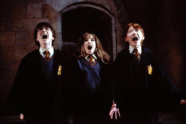 Дэниел Рэдклифф раскрыл забавный секрет со съемок «Гарри Поттера»: весь каст ходил с фальшивыми зубами