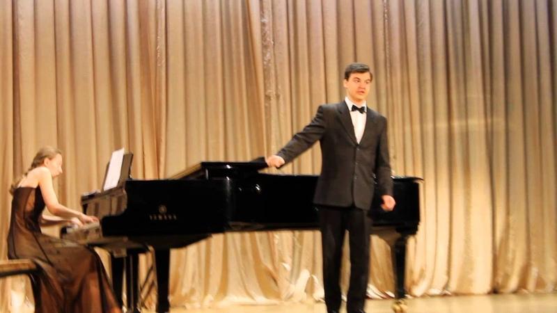 Концерт класса 29 ноября 2013 г. Г.В.Свиридов Как яблочко румян.Поёт бас Роман Игоревич Данилов.