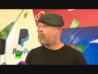 Джейми Хайнеман говорит по-русски
