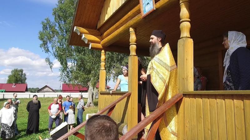 В деревне Воскресенское Грязовецкого района освящена не совсем обычная часовня