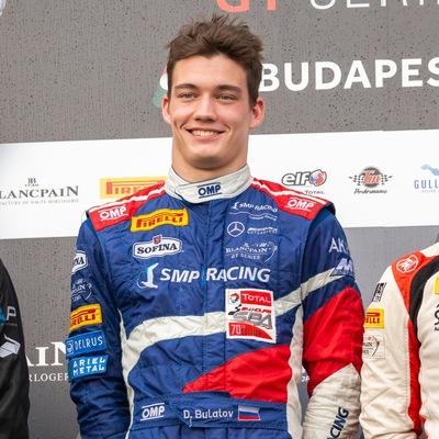 Денис Булатов