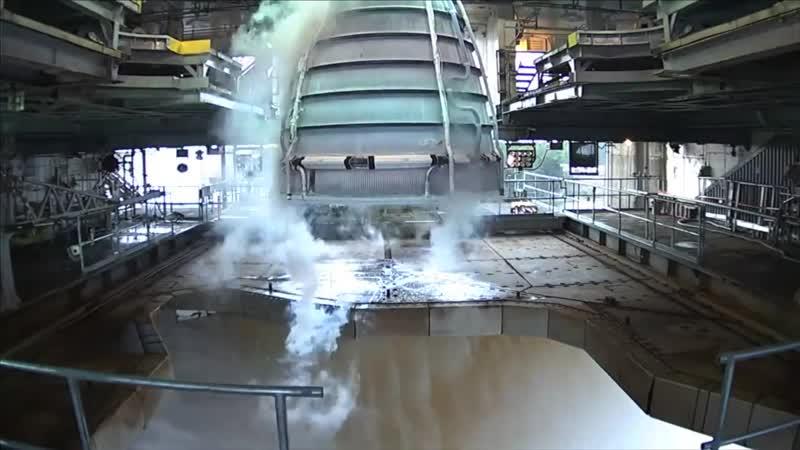 Испытания ракетного двигателя RS-25 для первой ступени сверхтяжелой ракеты-носителя SLS остановили из-за аварии