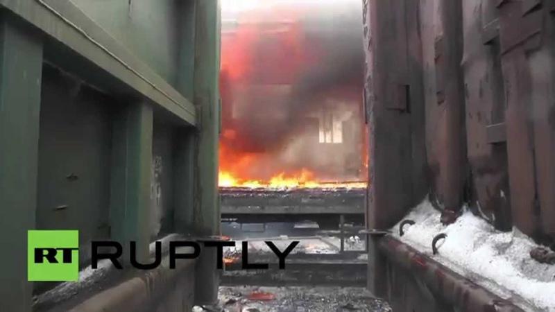 Ukraine Train catches fire amid fighting near Debaltsevo