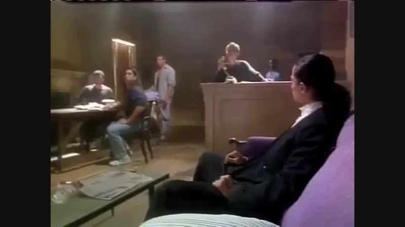 Фильм Кроваый убийца боевик триллер боевые искусства
