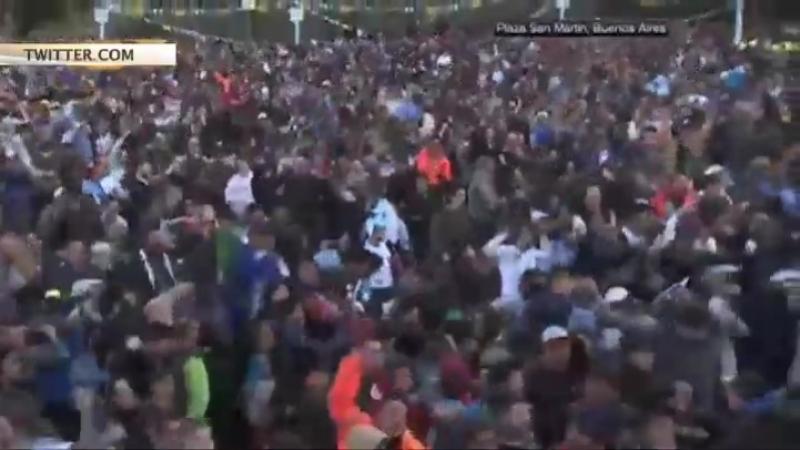Сборная Аргентины накануне вечером, 26 июня, чудом спаслась от позора и в последний момент квалифицировалась в 1/8 финала