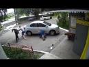 В Челябинске пьяный прохожий избил двух пенсионеров