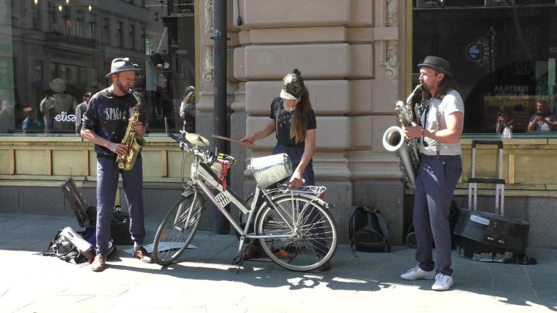 уличные музыканты из швеции. 1