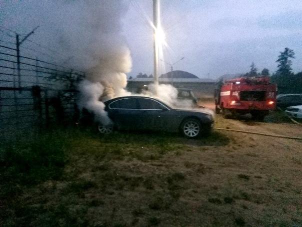 30.06.2018 на автостоянке сгорел автомобиль BMW
