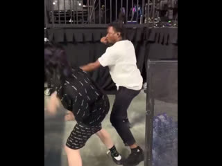 Billie and denzelcurry playing ninja during soundcheck today