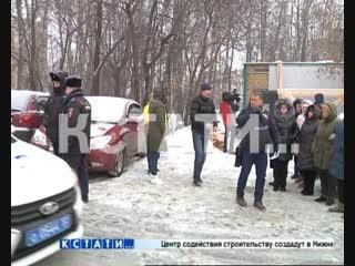 Неторговые площади - снос киоска обернулся стихийным митингом в Приокском районе