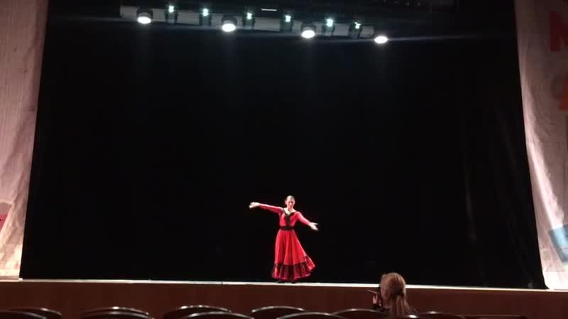 Выступление Юлии Гогиной на конкурсе М.АРТ в Дворце молодежи