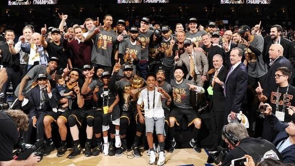 За всю историю Финалов НБА только «Кливленд» образца 2016 года стал чемпионом, отыграв отставание 1-3 в серии