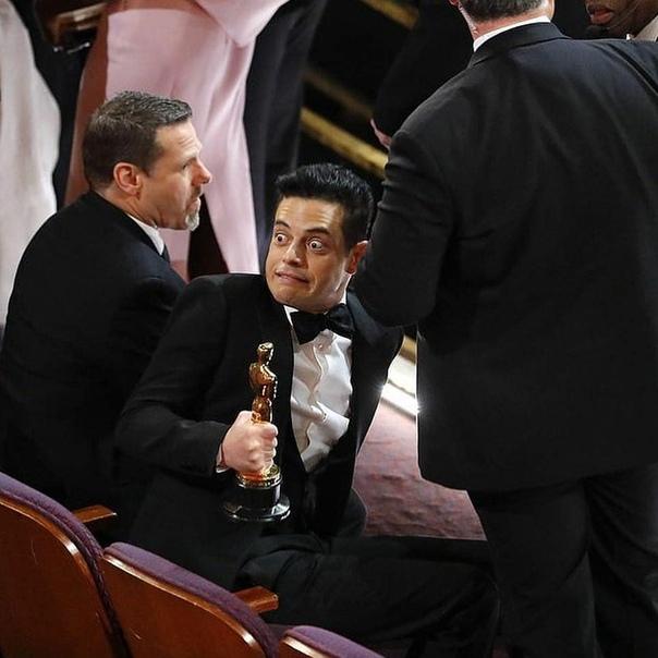 """Рами Малек после получения """"Оскара"""" упал со сцены"""