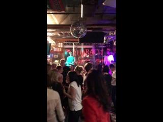 Невеста (Мумий Тролль cover) Мультик Тролль live Harats pub Ухта 05/10.2018