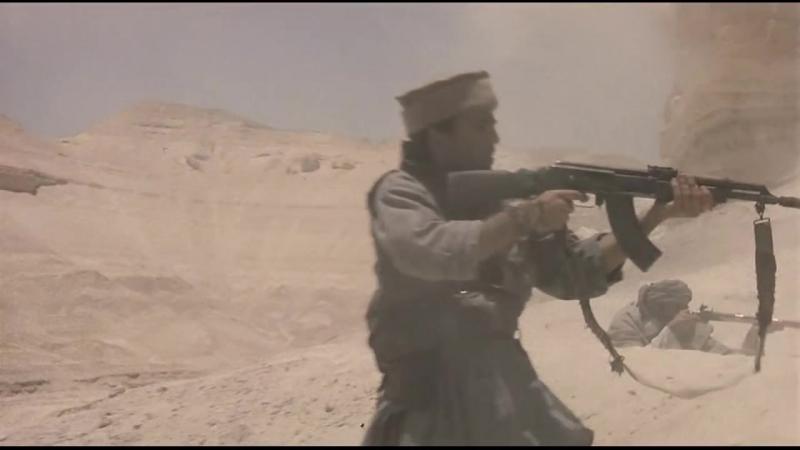Зверь войны (1988). Первое нападение моджахедов на заблудившийся советский танк