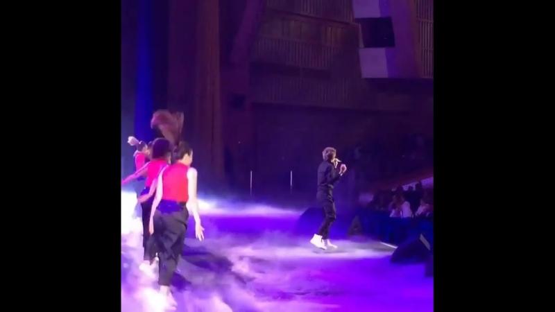 Наш Даня на сцене Кремлевского Дворца с новым синглом
