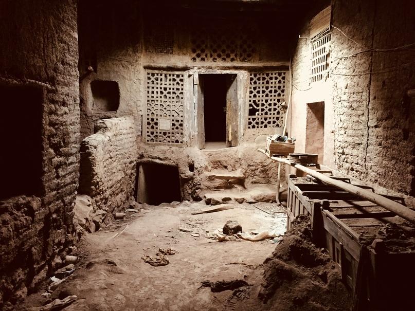 Заброшенный дом в Абияне