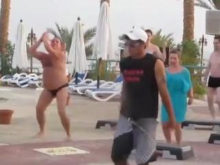 Женщина, я не танцую. САМЫЙ ПОЗИТИВНЫЙ Т...танца )) (720p).mp4