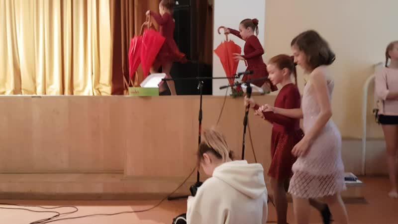 Танец Пестрые зонтики. Юный постановщик. Ансамбль современного танца СПЕКТР20181209_134603.mp4 ансамбльспектр спектровцы