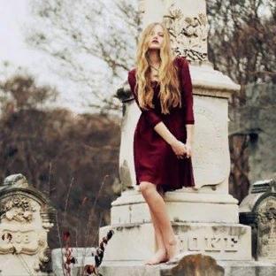Ходить на кладбище с месячными: какие могут быть последствия