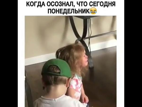 Девочка выстрелила из пистолета себе в лицо