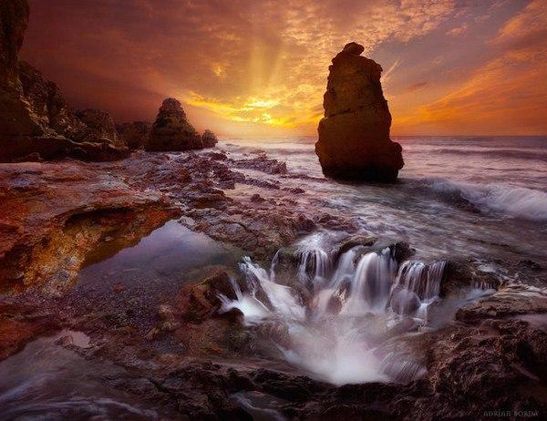 Румынский фотохудожник Эдриан Борда, создает фантастические пейзажи, совмещая элементы разных снимков. В своих работах он выдвигает на первый план красоту и блеск, найденный в мире природы