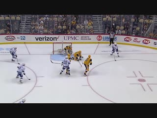 Brayden Point collects a natural hat trick in 91 seconds