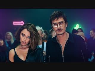 Премьера клипа! Время и Стекло - Песня про лицо ()