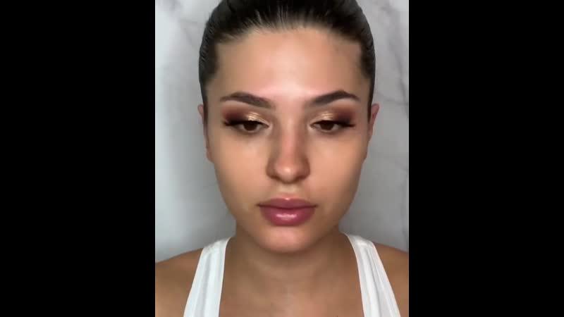 Градиентные губы и сияющие глаза