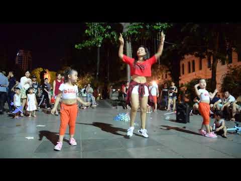1,2,3 Sofia Reyes/ Let's Dance Club