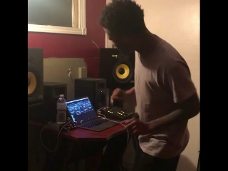 "Rj lamont remakes ""trap or die"" beat"