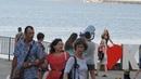 Керчь набережная.Селфи красивой девушки-на фоне керченского моста.