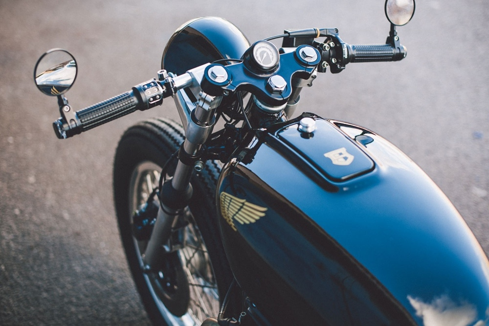 Sinjora Motorcycles: кафе рейсер Honda CB500 Elegance