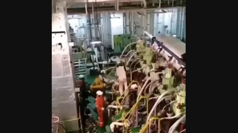 Механы трудятся