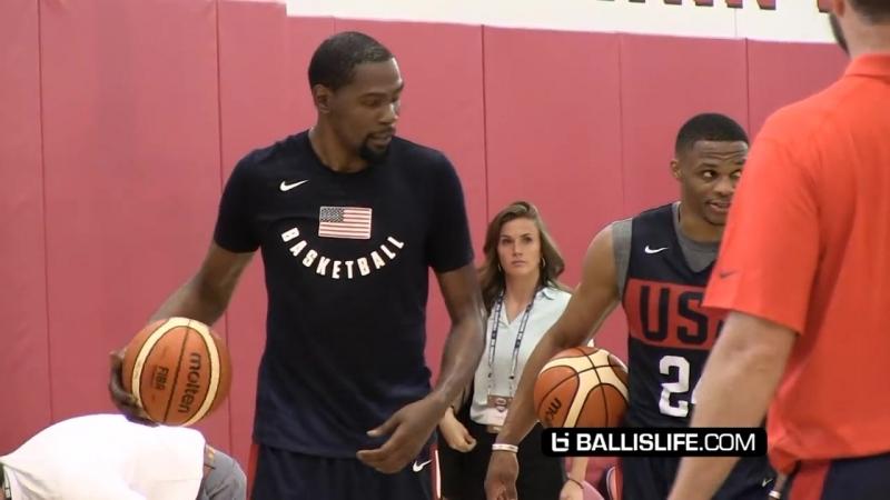 Кайри Ирвинг учит новым движениям Расселла Уэстбрука и Кевина Дюранта Лагерь сборной США по Баскетболу