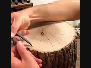 📹 Видео пособие: как из пенька сделать прекрасный декор для дачи 👇