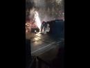 Эффектное исчезновение певца со сцены (VIDEO ВАРЕНЬЕ)