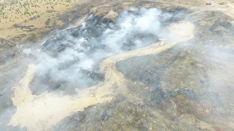 На 16.00 23 октября площадь возгорания на свалке в Нижнекамском районе снизилась до 100 кв.метров.